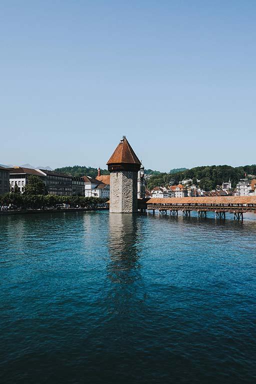 Kapellbrücke mit Wasserturm in Luzern